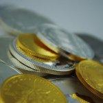 A máme tu první bitcoinovou banku! Neo & Bee vám dá i platební kartu