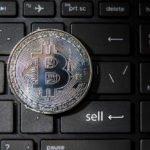Kurz bitcoinu – analýza. Výprodejům nemusí být konec